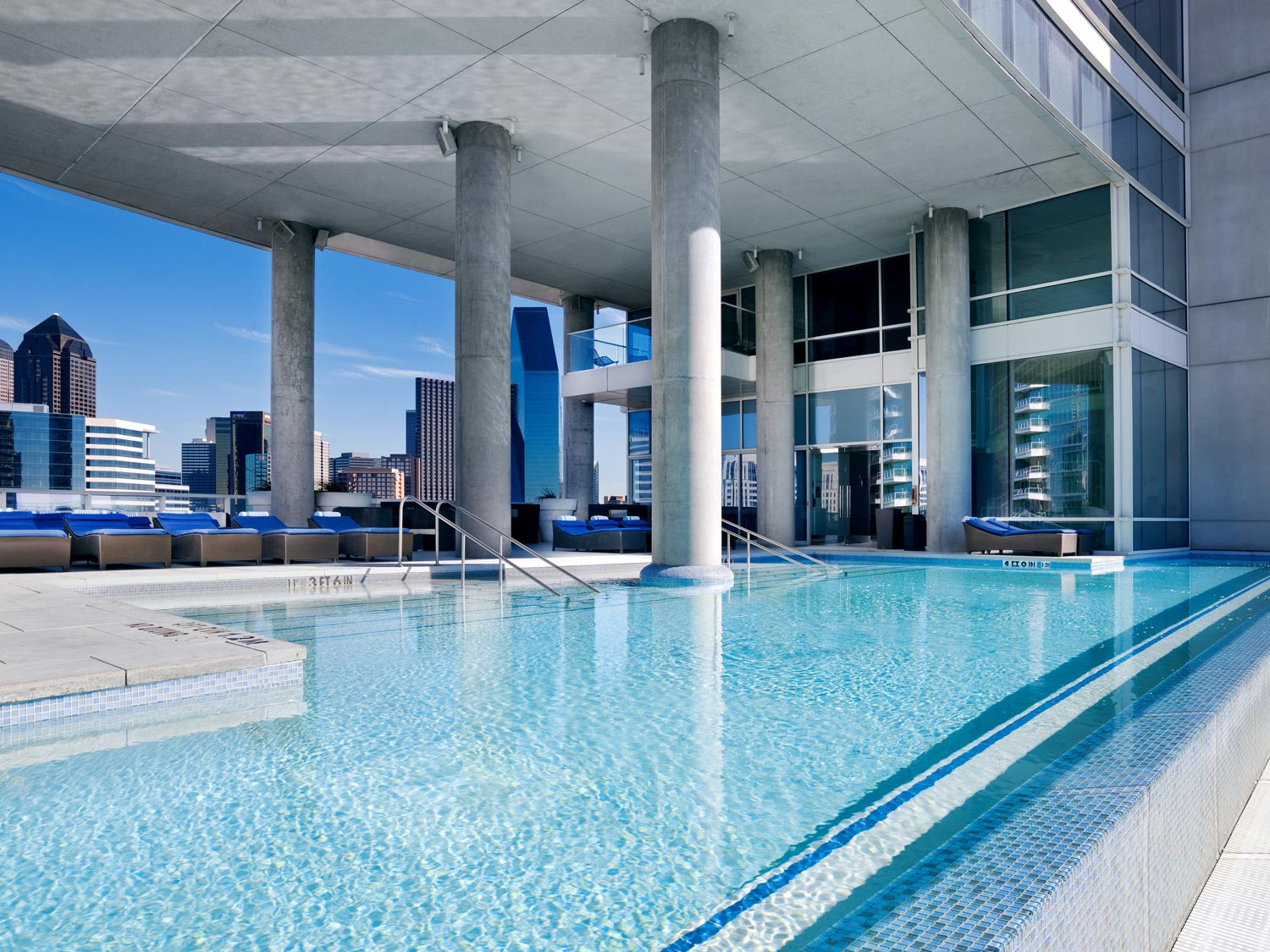 the-residences-at-w-dallas-victory-masthead-1